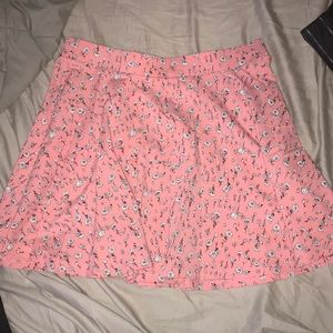 Super cute almost new skirt